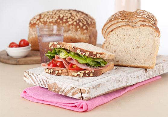 Sándwich Oroweat de Jamón, Tomate y Lechuga